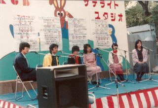 32 期 学祭サテライトスタジオ中央北出さん、左高岡YTV解説委員.jpg