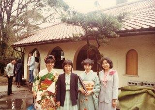 �E1978年卒業式(局室前中庭)IMG_0006.jpg